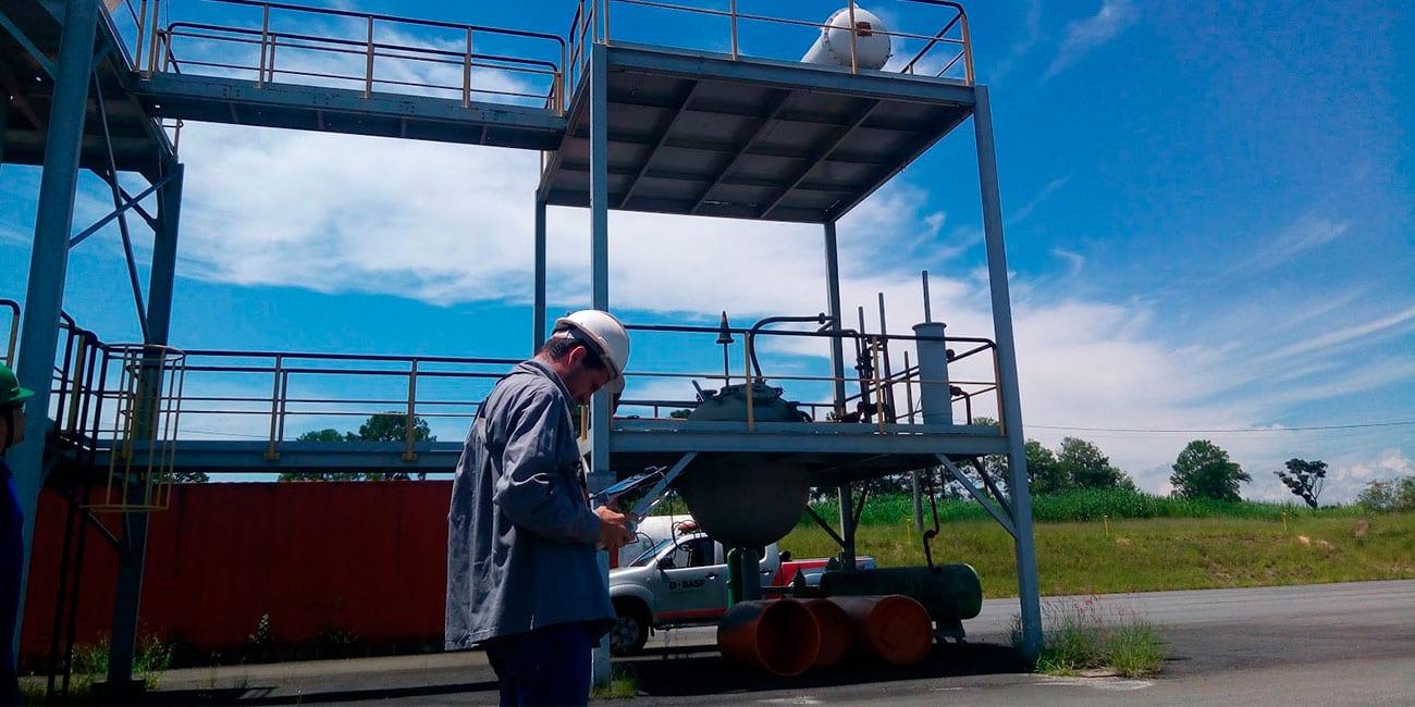 Inspeção de área industrial com Drone